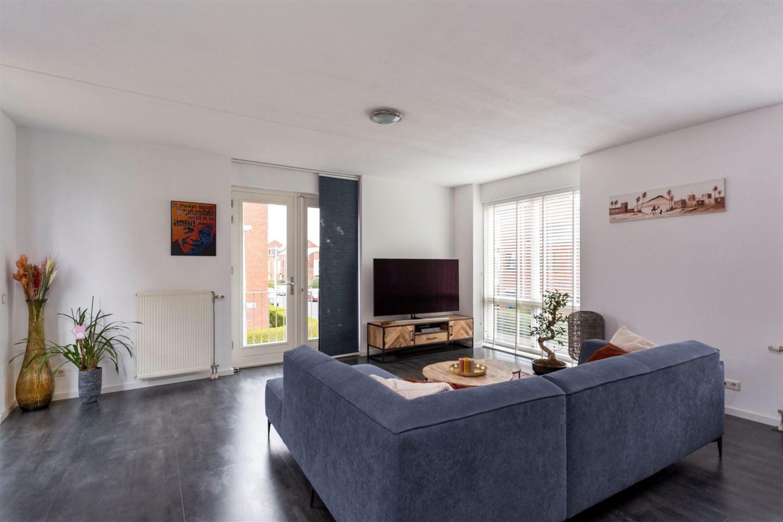 Bekijk foto 3 van Van den Broekstraat 62
