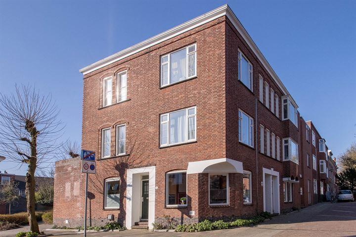 Middenstraat 1