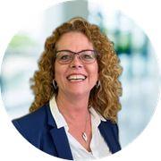 Esther Puijk  - Commercieel medewerker