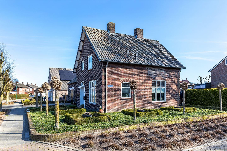 Bekijk foto 2 van Theobaldusweg 2