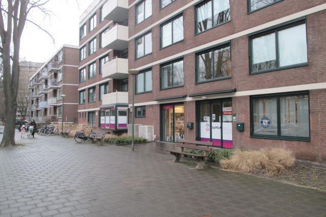 Volendamlaan 11, Den Haag