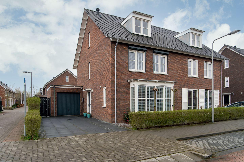 View photo 1 of Van Amerongenerf 20