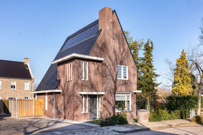 Bekijk foto 2 van Radboudweg 9