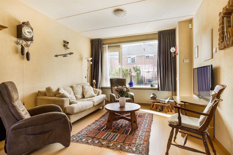 Bekijk foto 2 van Graaf Willemstraat 69