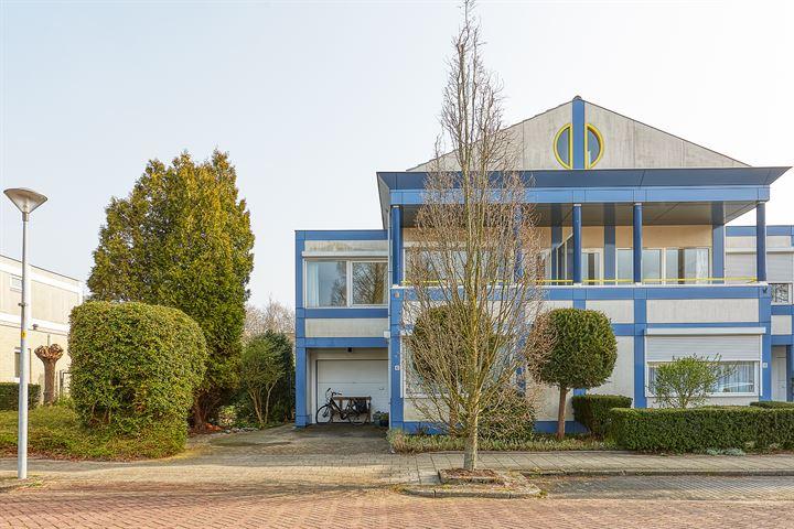 Cor van Osnabruggelaan 42