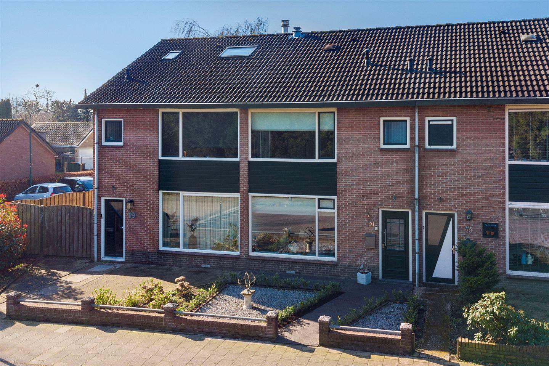 View photo 2 of Munnikenweg 21