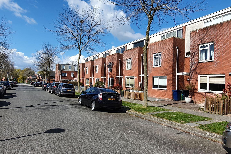 View photo 3 of Perzikstraat 35