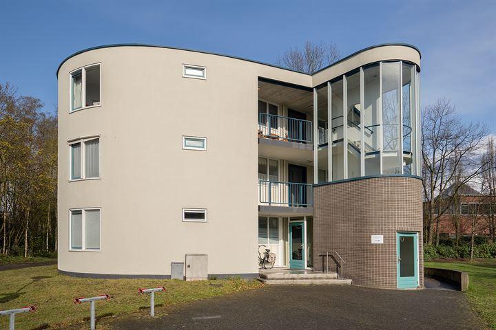 Benedictinessenhof 56