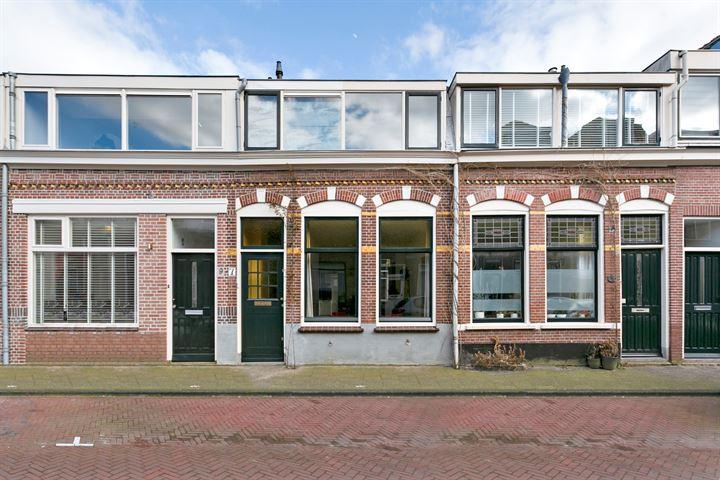 Floresstraat 7