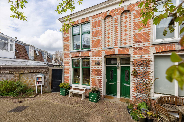 View photo 2 of Emmastraat 24