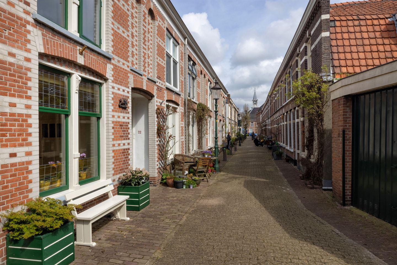 View photo 3 of Emmastraat 24