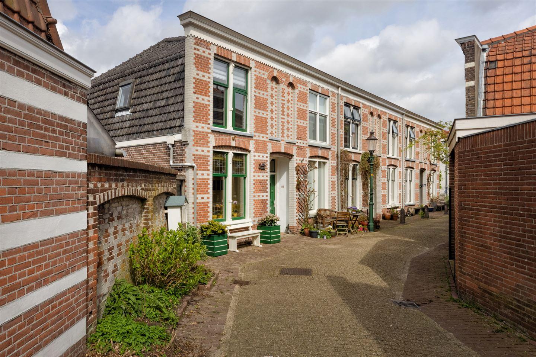 View photo 1 of Emmastraat 24