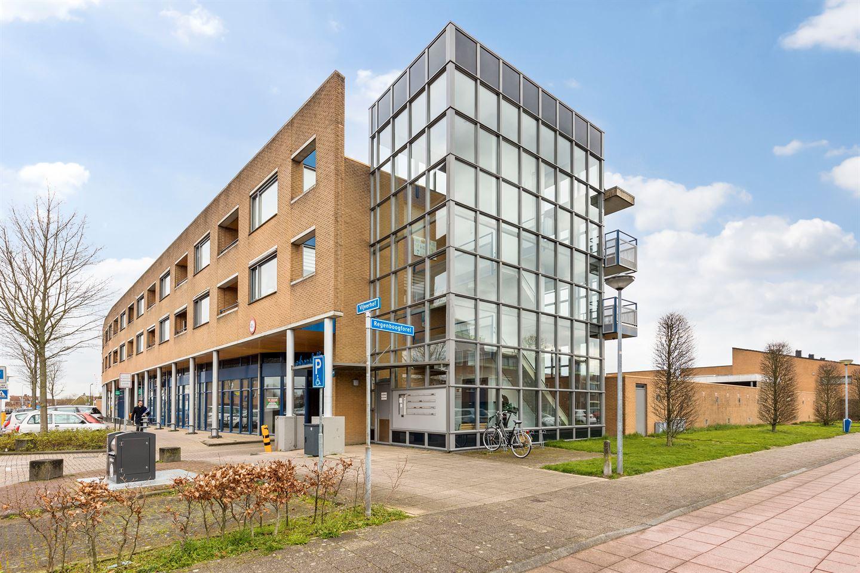 Bekijk foto 1 van Vijverhof 45