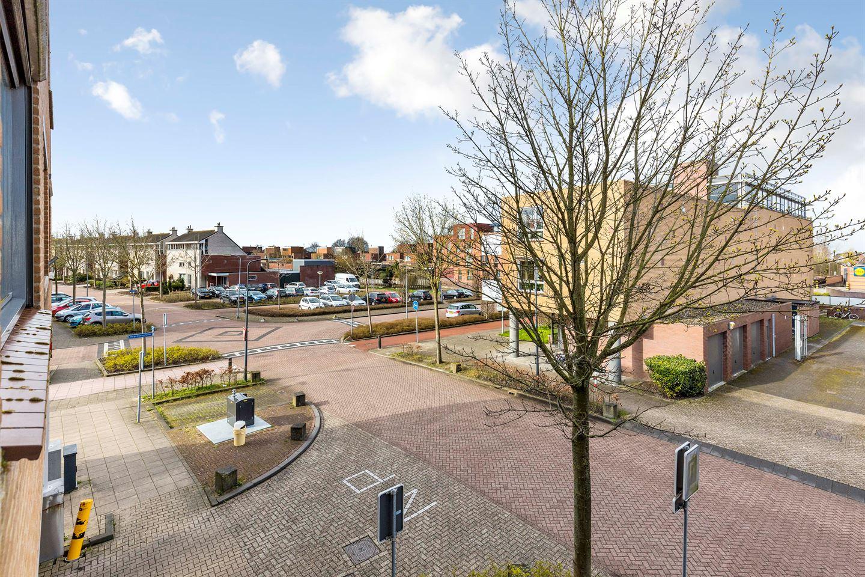 Bekijk foto 5 van Vijverhof 45