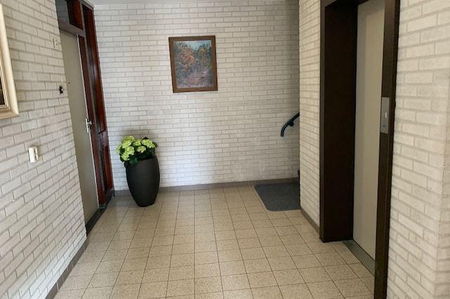Bekijk foto 3 van Meeuwenweg 1 8