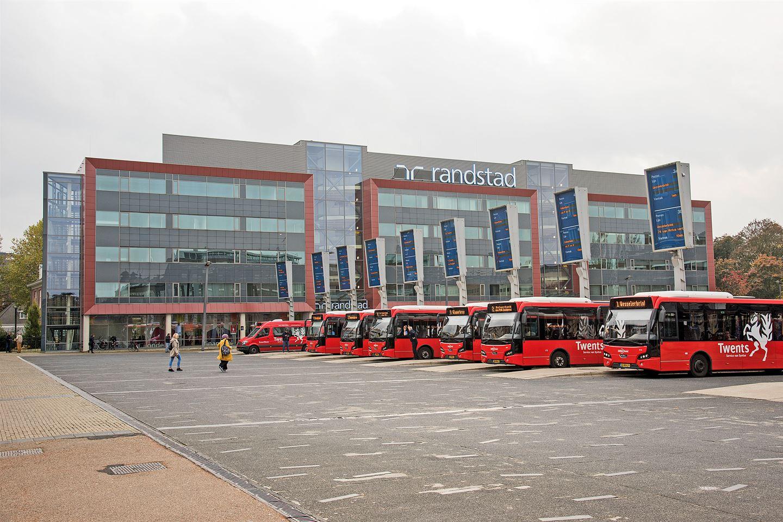 Bekijk foto 3 van Stationsplein 10 - 11