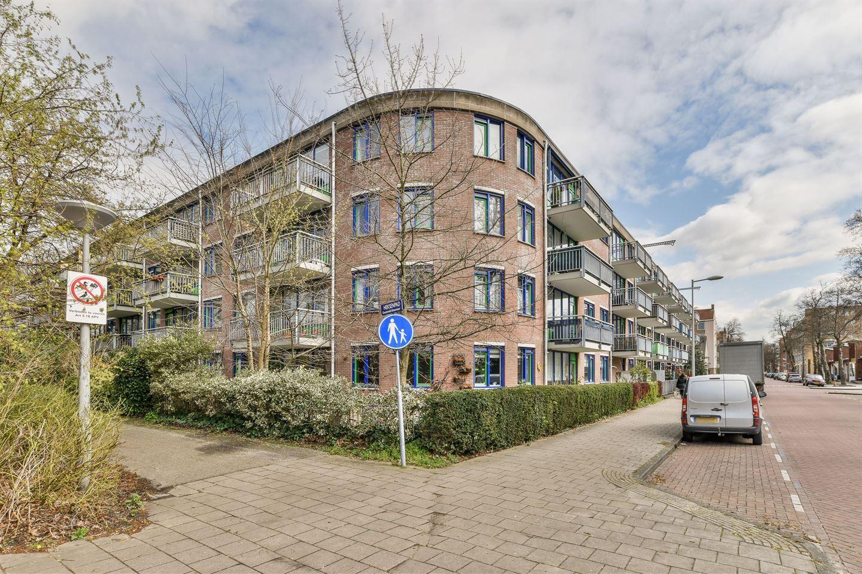 Bekijk foto 1 van Catharina Boudewijnshof 47