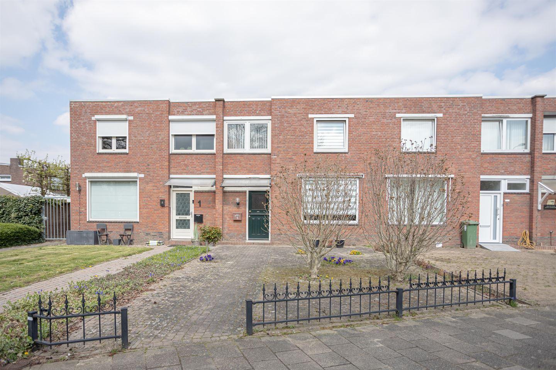 Bekijk foto 1 van Kerkhofweg 3