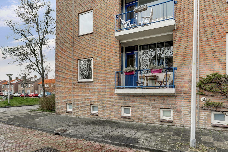 Bekijk foto 3 van Rijnvaartweg 2