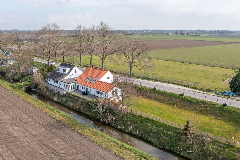 View photo 2 of Westdijk 81