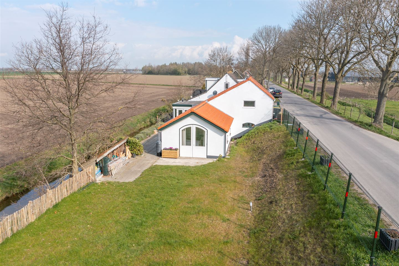 View photo 3 of Westdijk 81
