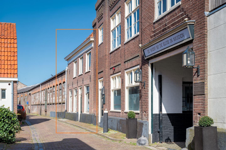 View photo 5 of Hellingstraat 30