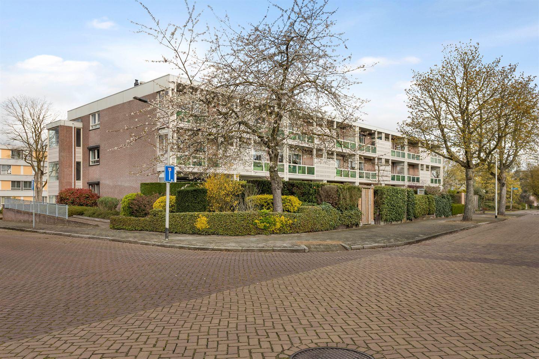 Bekijk foto 2 van Professor Huijbersstraat 33 b