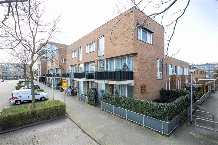 Ajaxstraat 102