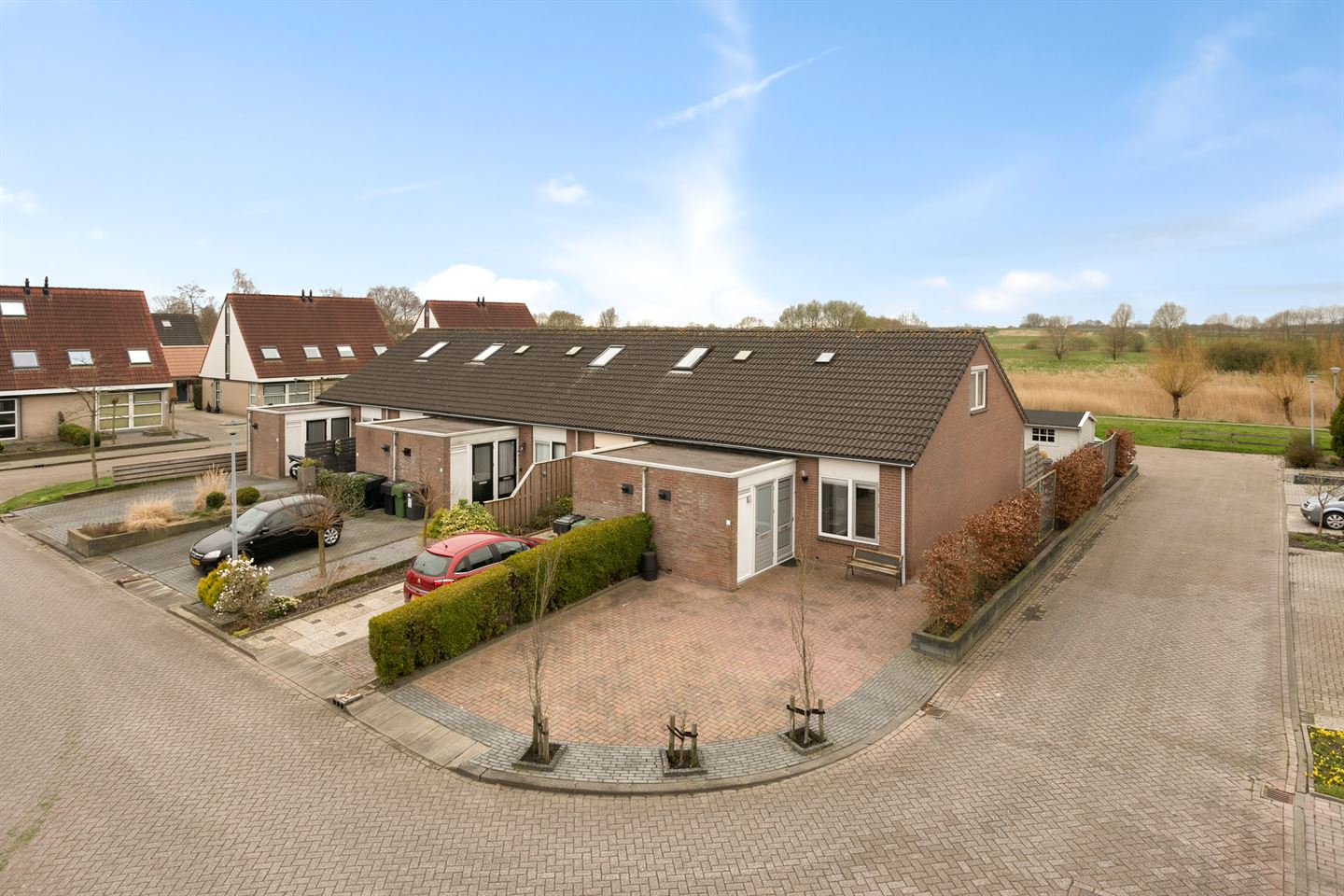 View photo 1 of Duivenslag 9