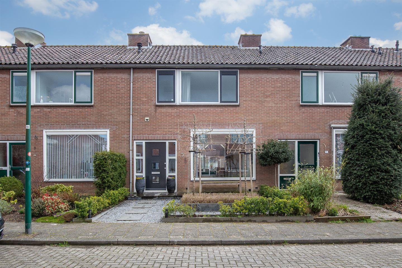 Bekijk foto 1 van Rhijnesteinstraat 5