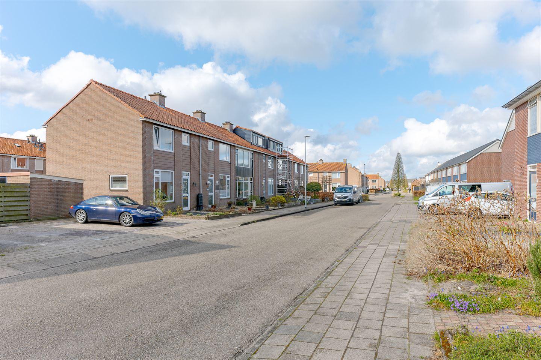 Bekijk foto 2 van IJsselstraat 13