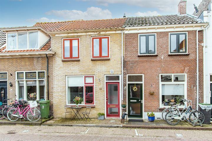 Maasstraat 18
