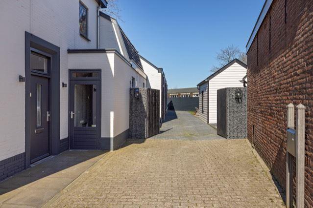 Bekijk foto 3 van Roestenbergstraat 73