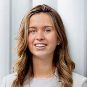 Yasmine Cos  - Commercieel medewerker