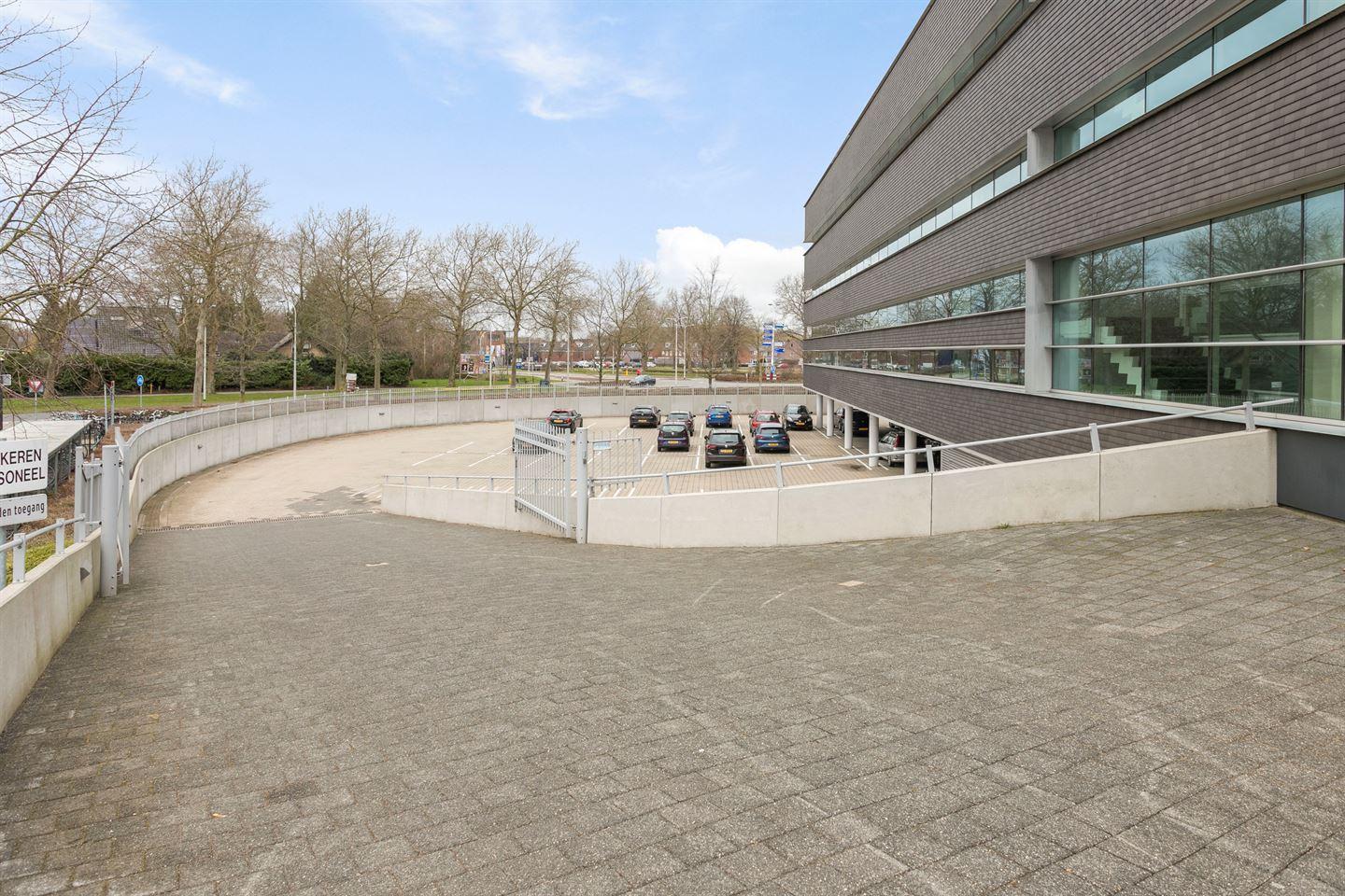Bekijk foto 3 van Van Heemstraweg 58 2