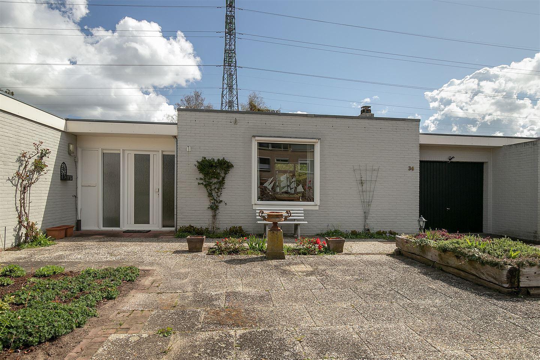 Bekijk foto 1 van van Essenstraat 34