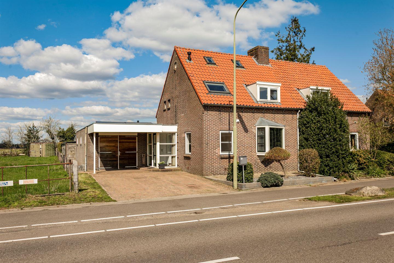 Bekijk foto 2 van Oranjeweg 24
