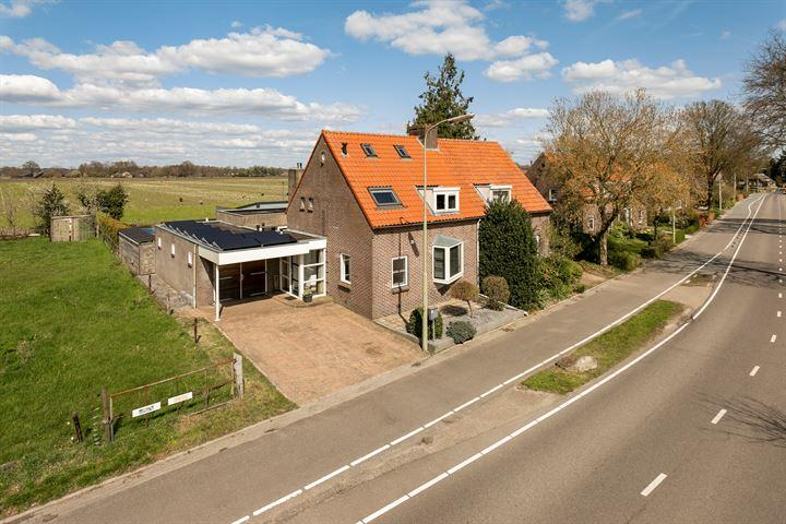 Oranjeweg 24