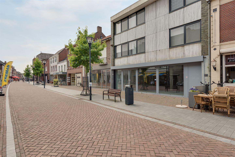 Bekijk foto 1 van Bovenste straat 6