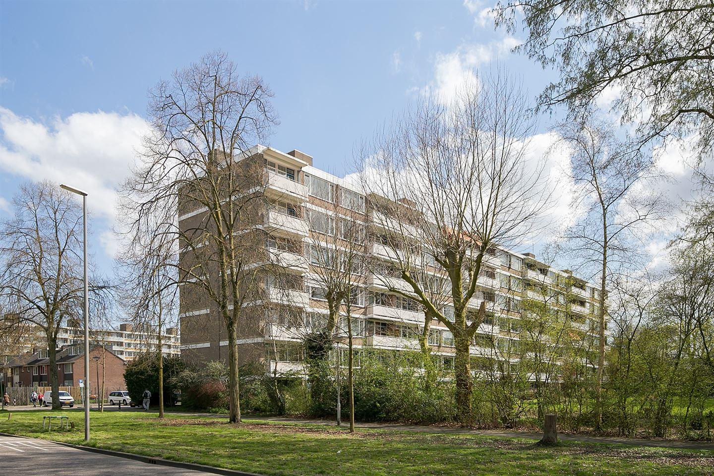 View photo 1 of Van der Helmstraat 279