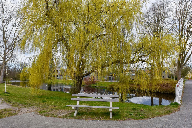 Bekijk foto 4 van Van de Veldelaan 1