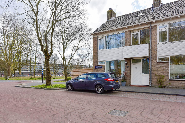 Bekijk foto 2 van Van de Veldelaan 1