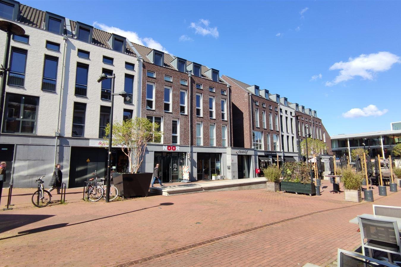 Bekijk foto 3 van Lindeplein 2 a