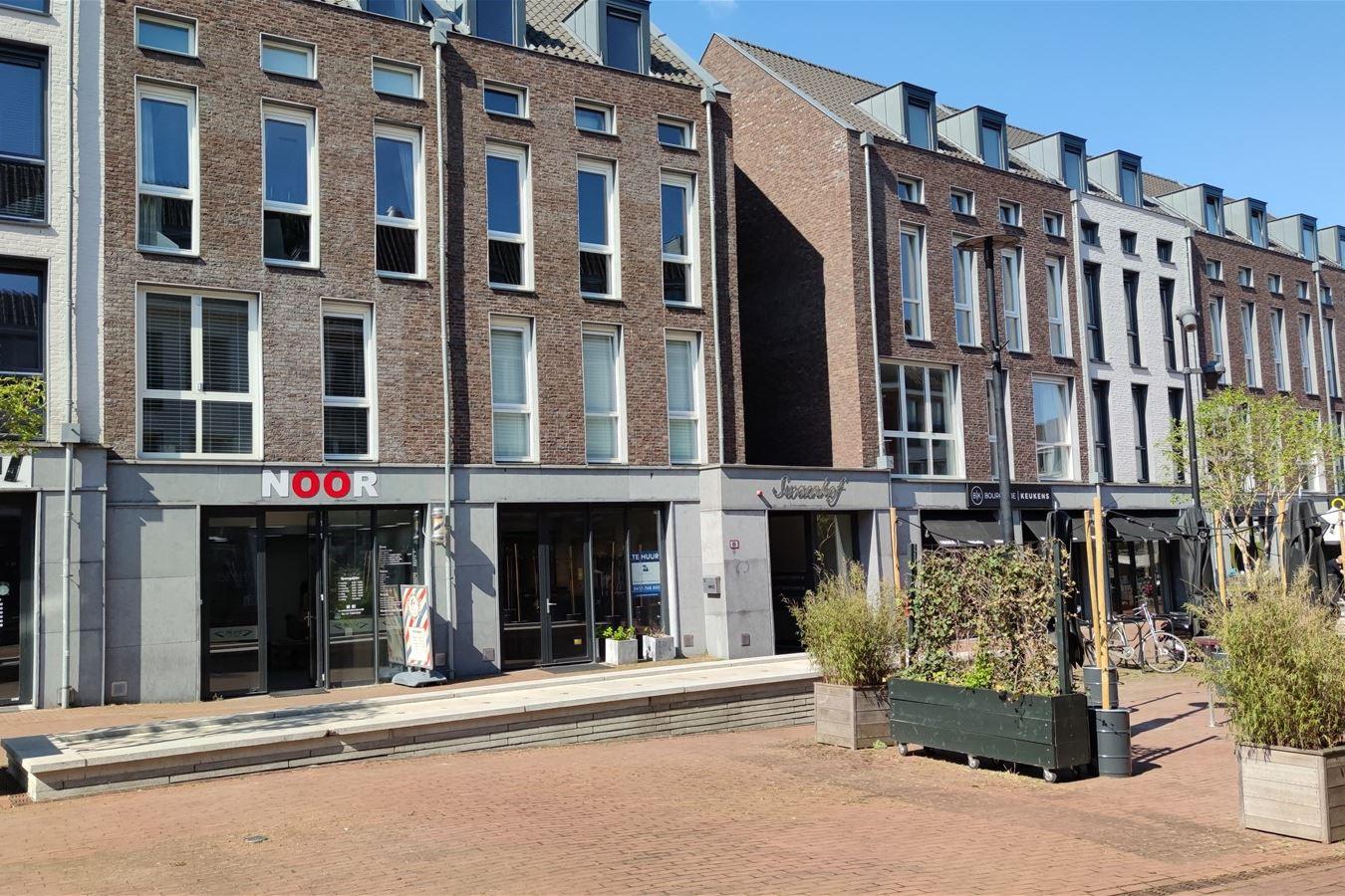 Bekijk foto 2 van Lindeplein 2 a