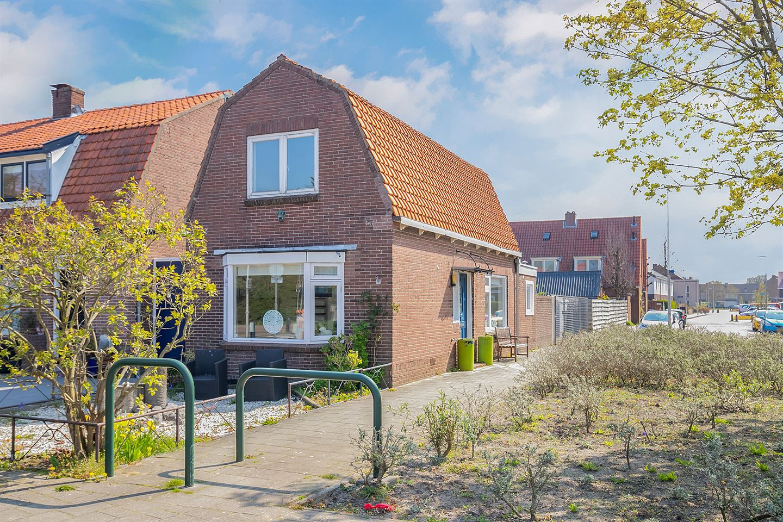 Bekijk foto 1 van Mr M C van Hallstraat 2