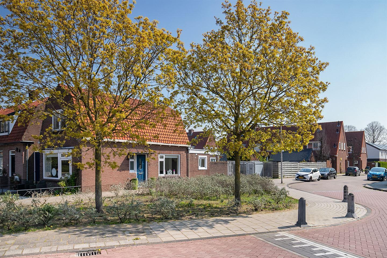 Bekijk foto 2 van Mr M C van Hallstraat 2