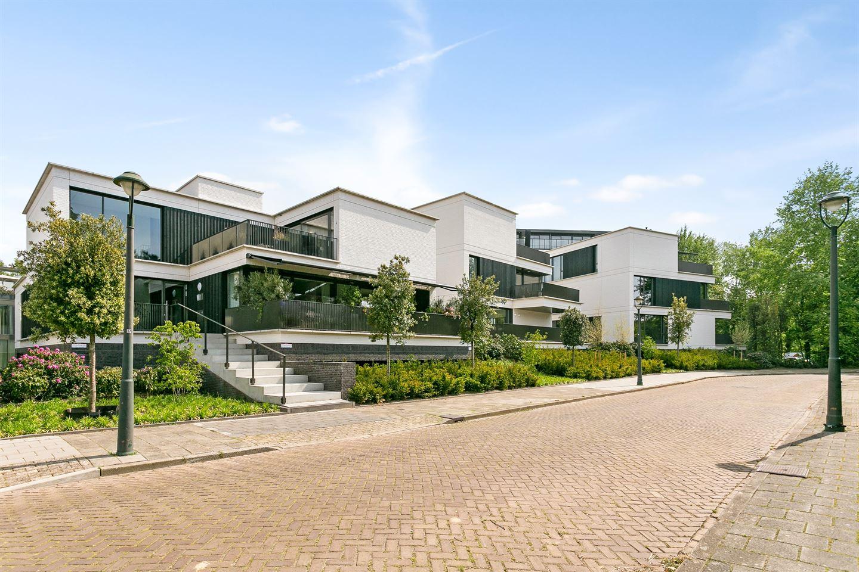 Bekijk foto 1 van Karel van den Woestijnelaan 3