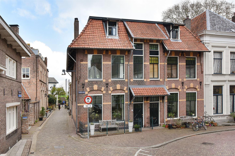 Bekijk foto 1 van Kerkstraat 1