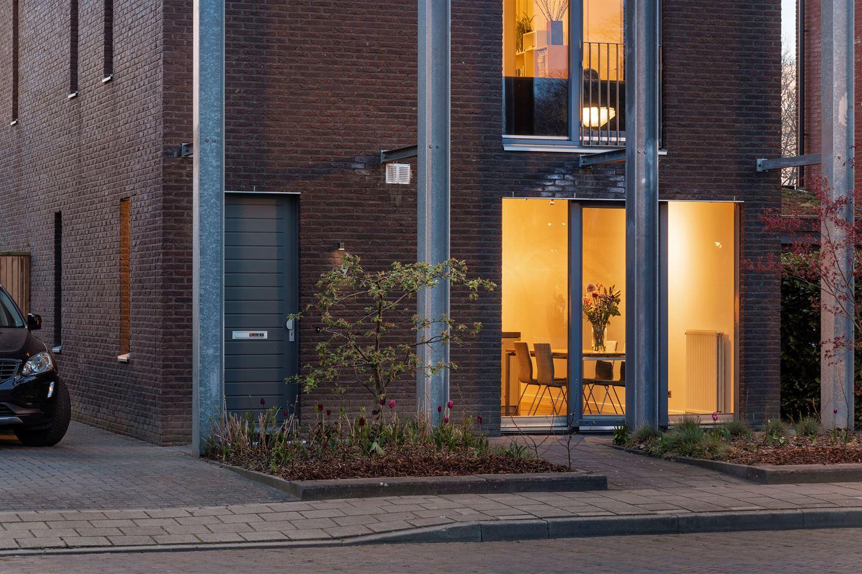 Bekijk foto 2 van Steenbeltweg 49