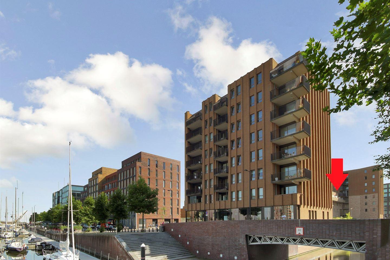 Bekijk foto 1 van Pieter Oosterhuisstraat 92